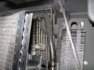 A/Tガバナー 3-4ピストンと破損したスプリング